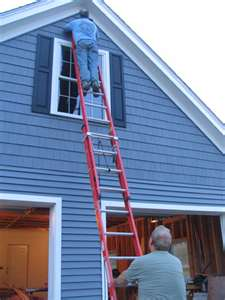 We fix roof leaks & vinyl siding